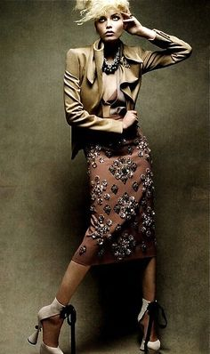 Natasha Poly wearing Louis Vuitton Fall/Winter 2009 shoes (and Miu Miu skirt) photographed by Patrick Demarchelier for Vogue China August 2009 Fashion Images, Fashion Art, Editorial Fashion, Fashion Models, Fashion Beauty, Fashion Show, Fashion Looks, Fashion Pics, Vogue Fashion