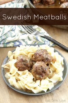 Swedish Meatballs - The easiest swedish meatballs in a rich, creamy, and flavorful gravy served over noodles. These are even better than Ikea! Sauce Recipes, Gourmet Recipes, Beef Recipes, Cooking Recipes, Copycat Recipes, Yummy Recipes, Other Recipes, I Foods, Stuffed Peppers