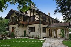 Exterior of luxury home in River Forest, Illinois