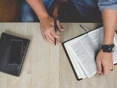 Evangelhos canónicos são os que a Igreja reconheceu como sendo aqueles que transmitem autenticamente a tradição apostólica e estão inspirados por Deus....