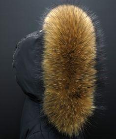 Takhle může vypadat Vaše bunda s naším kožešinovým lemem na kapuci - luxusní finský mývalovec v přírodní barvě #real_fur #prava_kozesina #kozesina_na_kapuci #finnraccoon Winter Hats, Fashion, Moda, Fashion Styles, Fashion Illustrations