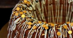Tuli tehtyä taas tätä järjettömän herkullista kahvikakkua. Mielestäni ehkä paras kuivakakku ikinä...mehevä ja maukas :) Nyt tein tähän ... Tuli, Caramel Apples, Desserts, Food, Tailgate Desserts, Meal, Dessert, Eten, Caramel Apple