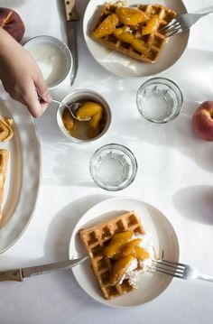 Waffles with Peach Compote | Migalha Doce