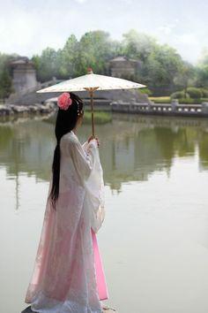 Chinese Fashion &&&&&......http://es.pinterest.com/stjamesinfirm/ancient-cultures-asia-kimono-hanfu-cheongsam-qipao/