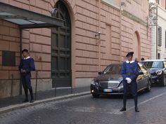 swiss guards in the Vatican - #Vatican #tour #Rome @FreeTourRome #like #follow #photooftheday #followme #tagsforlikes #beautiful #museum #picoftheday #amazing #relaxing #fun #join #share #bestoftheday #smile #like4like #repin