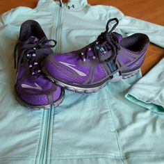 Brooks Pure Cadence 2 running shoes  8 Purple athletic running crosstraining shoes. Size 8 EUR 39 CM 25. IN EXCELLENT used condition. Worn a few times. Brooks Shoes Athletic Shoes