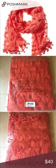 "Banana Republic Scarf, brand new in bag 🌸🌺💋 Retail: $68, brand new in bag.  28"" x 70"". 100% Cotton.   😍❤️😍 Banana Republic Accessories Scarves & Wraps"
