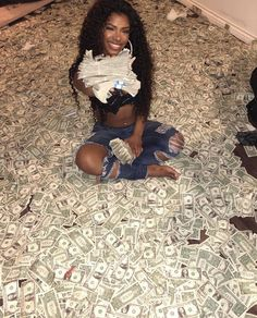 Mo Money, How To Get Money, Money Girl, Fille Gangsta, Thug Girl, Money On My Mind, Hood Girls, Money Pictures, Business Baby
