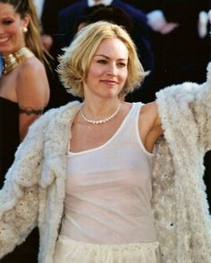 Sharon Stone pictures and photos Sharon Stone Hairstyles, Mid Hairstyles, Latest Hairstyles, Everyday Hairstyles, Afro Hair Do, Blondes Sexy, Ford, Stone Pictures, Cannes Film Festival