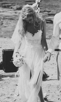 @Kasey Stanton would love this! Beautiful!!!! Beach Wedding Dresses: Relaxed Boho Style