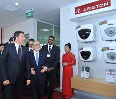 Thủ tướng Ý Matteo Renzi thăm nhà máy Ariston tại Việt Nam