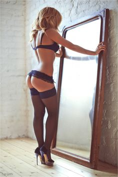 Gorgeous navy lingere... Wish I had that body to go with it!!