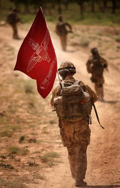 Regimental Flag A British Para from 3rd Battalion The Parachute Regiment (3 PARA) on patrol in Afghanistan.