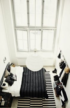 One of my favorite design steals at the moment is the Ikea Stockholm rug. I mean this rug is awesome, it is super large, bold in design. Ikea Stockholm Rug, Bedroom Styles, Beautiful Bedrooms, Amazing Bedrooms, My New Room, Style At Home, Interiores Design, Home Fashion, Interior Inspiration