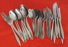 39 Pieces Vintage MW Montgomery Ward Japan Vintage ERICA Flatware Stainless Steel Mixed Lot Forks Spoons Teaspoons Knives by GenerationsEstate on Etsy #MontgomeryWard #Flatware #VintageFlatware #StainlessSteel #VintageTable #EricaFlatware #MWFlatware generationsest.com