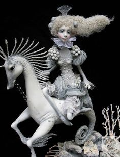 Isn't this the most amazing doll vignette ever? doll artist Victoria Minenko