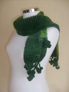 Shamrock scarf... crochet hooks... irish yarn... GO!