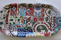 Çini-ceramic-patchwork Pottery Painting, Ceramic Painting, Drunk Pictures, Chinese Element, Turkish Design, Arabesque Pattern, Turkish Tiles, Glazes For Pottery, Tray Decor