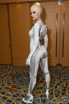 Tron Legacy cosplay. This is it, i think i found my Comic Con cosplay LOVE!!!!!!!