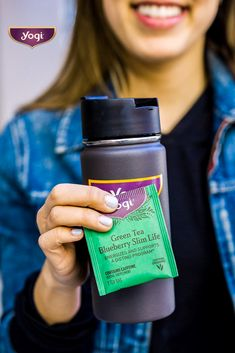 Energize your body and mind with Yogi Green Tea Blueberry Slim Life tea; an uplifting and deliciously fruity Green tea blend that's sure to leave you smiling. Healthy Diet Plans, Diet Meal Plans, Healthy Food, Healthy Liver, Healthy Meals, Meal Prep, Liver Detox Diet, Body Detoxification, Healthy Recipes