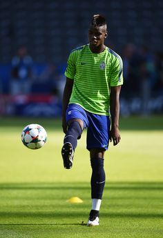 Paul Pogba of Juventus warms up during a Juventus training session on the eve of the UEFA Champions League Final match against FC Barcelona at Olympiastadion on June 2015 in Berlin, Germany. Good Soccer Players, Football Players, Paul Pogba, Uefa Champions League, Fc Barcelona, Soccer Ball, Finals, Berlin Germany, Running