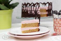 Pistachio cake with raspberry cream - Tort de fistic cu crema de zmeura