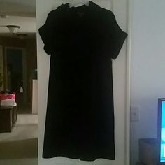 Banana Republic sweater dress Black sweater dress with cowl neck. Great condition. I bought on this site but to bif for me. Banana Republic Dresses Midi