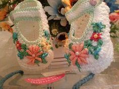 sapato bordado crochetsruth fez...disponivel Ate 6 meses....ruthcomercial@hotmail.com