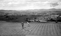 Golfing nostalgia - a nostalgic photo feature from Frith Putt Putt, Good Times, Golf Courses, Nostalgia, History, Lady, Sports, Vintage, Hs Sports