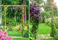 En inbjudande portal ger struktur och höjd åt din trädgård, samtidigt som den blir ett stöd för klängande grönska. Den här snickrar du enkelt själv av rundvirke.