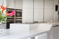 Showing the unique split level island Corian Worktops, Cooking For A Crowd, Room Accessories, Centre Pieces, Architect Design, Cupboard, Kitchen Dining, Family Room, Kitchen Ideas