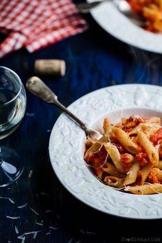 Easy Pasta Peperonata Recipe * http://www.foodienarium.com/easy-pasta-peperonata/