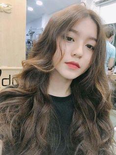 She's from Vietnamese Ulzzang Korean Girl, Uzzlang Girl, Le Jolie, Grunge Hair, Pretty People, Girl Hairstyles, Asian Beauty, Hair Inspiration, My Hair