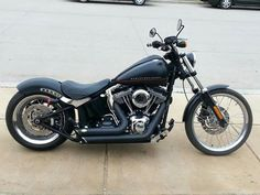 Used (normal wear) - 2012 Harley Davidson Blackline Softail Bobber 200 wide Rear upgrade with RSD Fender kit , Vance &Hines Short Shot pipes THIS IS A SWEET ASS BIKE, only has 6700 miles Harley-Davidso Softail Transmission: Six speed MPG(Cty): 44 MPG(Hwy): 40 Torque @ RPM: 134 @ 3250 Displacement: 1690 cc This Blackline is a Harley-Davidson Softail the original bobber with a raw style . The rear fender is bobbed high-and-tight over a wide 200 mm tire that emphasizes an authentic hardtail…