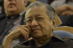 Dr Mahathir: Arul Kanda masih seorang pembohong - http://malaysianreview.com/128575/dr-mahathir-arul-kanda-masih-seorang-pembohong/