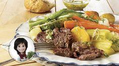 Market stew from Josée di Stasio Vegetable Recipes, Meat Recipes, Salad Recipes, Cooking Recipes, Healthy Recipes, Healthy Food, Confort Food, Beef Steak, Main Meals