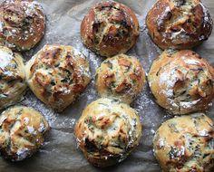 Spinach Feta Sun-Dried Tomato Rolls @Kelly Wright l Sass & Veracity