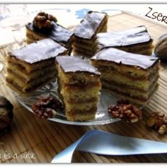 Kakaós mézes zserbó - sütnijó! – Kipróbált sütemény receptek Pie, Food, Torte, Cake, Fruit Cakes, Essen, Pies, Meals, Yemek