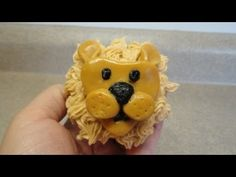 Planning a kids' birthday party or a baby shower? Here are some cute cupcakes that will be a hit. From barnyard animals to jungle themes to cat and puppy cupcakes, there are a ton of choices to have fun with! Lion Cupcakes, Puppy Cupcakes, Yellow Cupcakes, Animal Cupcakes, Sweet Cupcakes, Cupcake Icing, Cupcake Cakes, Buttercream Frosting, Cup Cakes