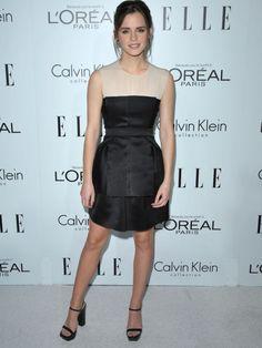 Emma Watson muy favorecida de blanco y negro, en la fiesta 'Women in Hollywood'