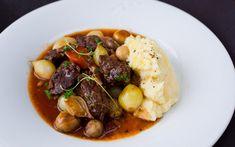 Boeuf Bourguignon Scandinavian Food, English Food, Crock Pot Slow Cooker, Pot Roast, Bon Appetit, Food Styling, Food To Make, Nom Nom, Food Porn