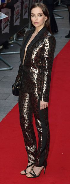 Find out how tall Jodie Comer is, discover other Celebrity Heights and Vote on how tall you think any Celebrity is! English Actresses, Actors & Actresses, Parks, Jodie Comer, Celebs, Celebrities, Leather Pants, Womens Fashion, Female Fashion
