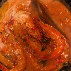 Gambas à l'armoricaine : Recette de Gambas à l'armoricaine - Marmiton Cajun Seafood Boil, Food Decoration, Fish Recipes, Entrees, Shrimp, Delish, Food And Drink, Meat, Cooking