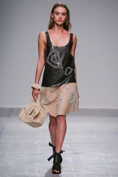 Christian Wijnants Spring 2015 Ready-to-Wear Fashion Show