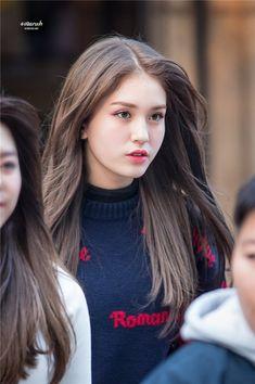Designer Clothes, Shoes & Bags for Women Jeon Somi, Korean Beauty, Asian Beauty, Kpop Girls, Kpop Girl Groups, Kim Chungha, Idole, Korean Girl, Hair Color