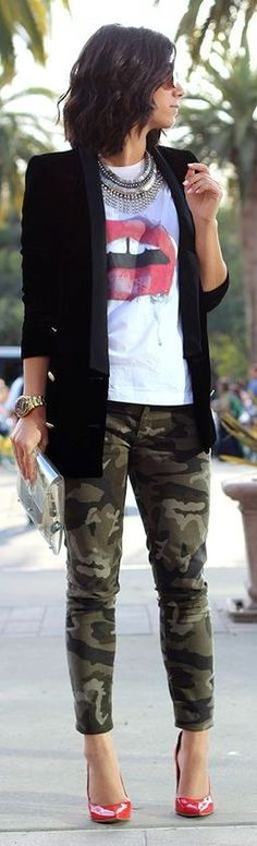 How to Wear a Black Velvet Blazer For Women looks & outfits) Camo Pants Outfit, Camo Outfits, Blazer Outfits, Casual Outfits, Women's Casual, Denim Outfit, Smart Casual, Look Fashion, New Fashion