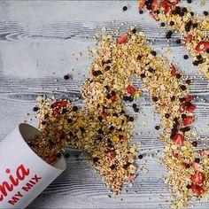 Правильний сніданок - запорука хорошого дня і відмінного настрою! А порція власноруч зібраних мюслі задає настрій на цілий день, даруючи енергію та позитивні емоції.    Створюйте свої унікальні смакові поєднання разом з Muesli Mania❤️👍🏻  #мюсліманія #міймікс #корисно #правильне_харчування