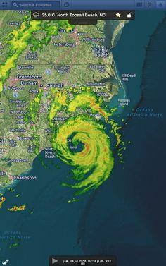 Radar: Vórtice y bandas exteriores de lluvias fuertes/tormentas al SE de Carolina del Norte, EUA. Huracán #Arthur
