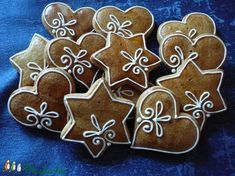 Christmas cookies idea little icing Christmas Sugar Cookies, Christmas Sweets, Christmas Cooking, Christmas Goodies, Holiday Cookies, Christmas Crafts, Amish Sugar Cookies, Iced Cookies, Gingerbread Decorations