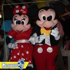 Mickey y Minnie te sonríen para empezar un nuevo día sé feliz . . . #pequesparty #mickeymouse #minniemouse #maracaibo #fiestasmaracaibo #fiestainfantil #niños #divertido #buenosdias #animacion #kidsparty